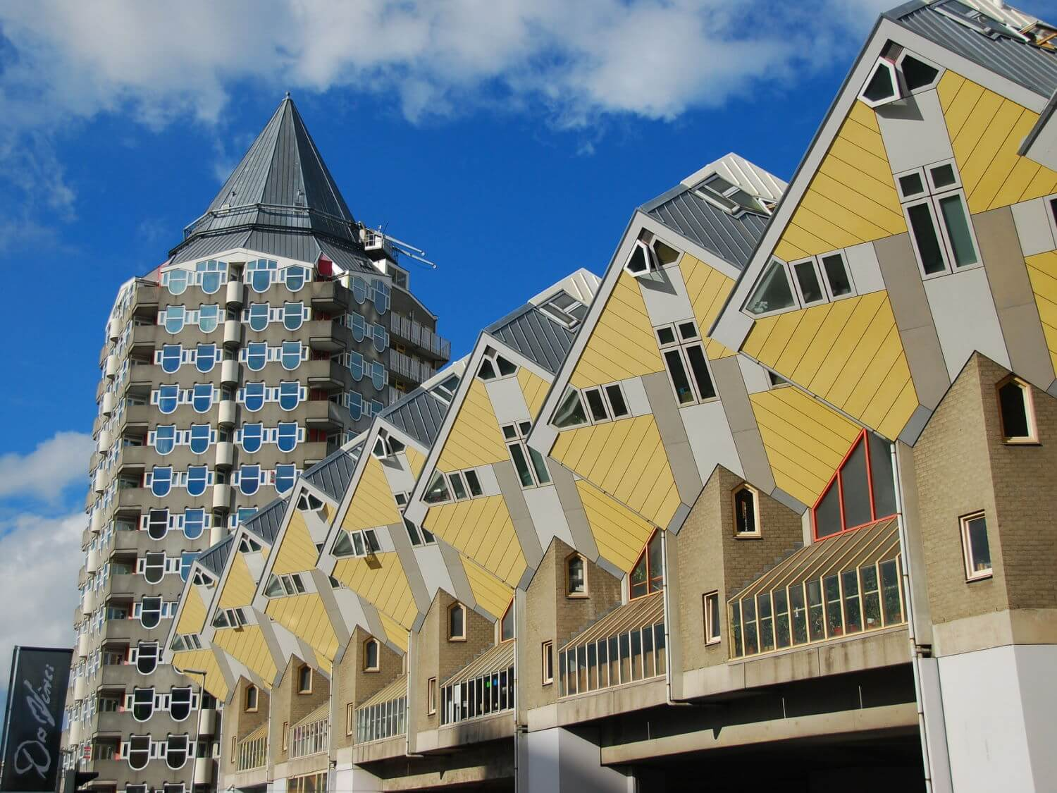 dusseldorf day trip to rotterdam cube houses